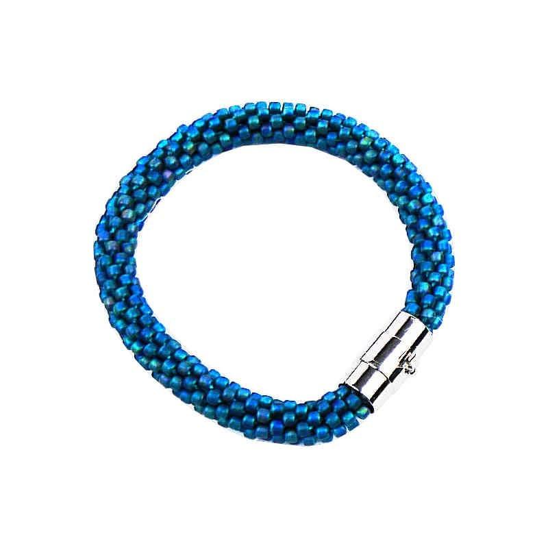 Błękitna bransoletka dla pięknej kobiety