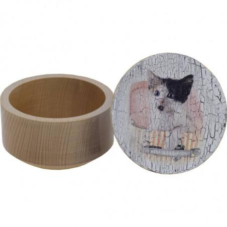 szkatułka wykonana metodą decoupage z kotkiem