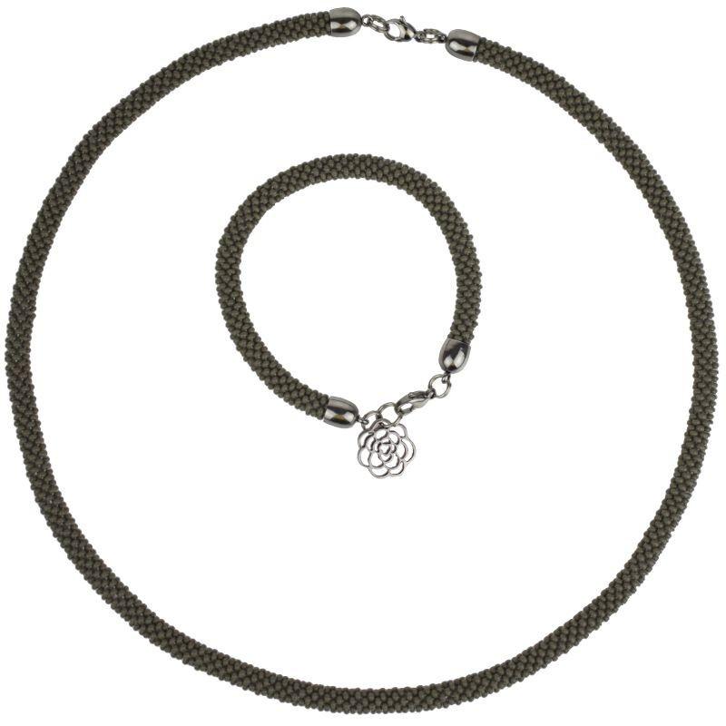 Naszyjnik z bransoletką z zawieszką w kształcie róży