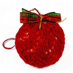 Bombka w czerwonym wełnianym sweterku