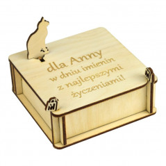 szkatułka na prezent z kotkiem i własnym grawerunkiem