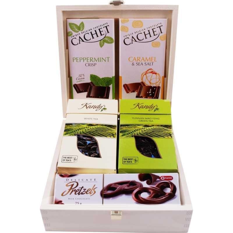 Wieczorny relaks - słodki zestaw prezentowy w czarnej torebce